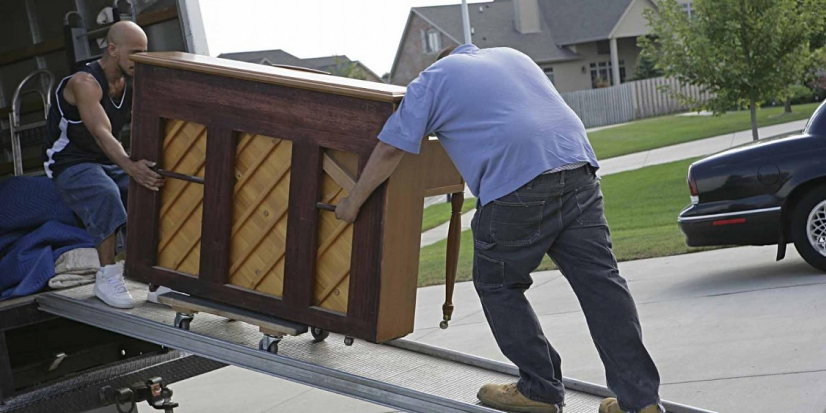Why Should I Move a Piano Only With Professional Piano Movers?
